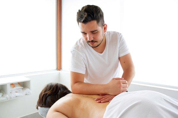 Shiatsu Massagem com o Cotovelo