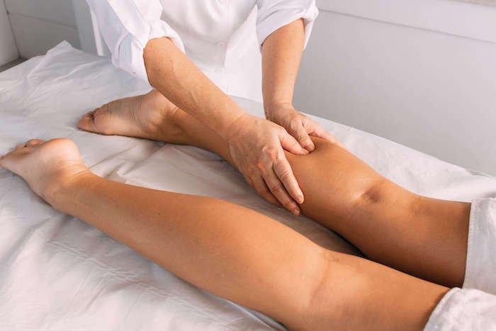 Massagem Ayurvédica nas Pernas